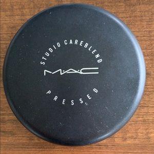 MAC Studio Careblend Pressed - Light Plus